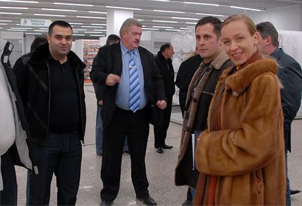 Кира Канаян и Армен Канаян перед открытием, пилотного гипермаркета «Наш Дом», ТЦ «Рио» на Дмитровском шоссе, г. Москва